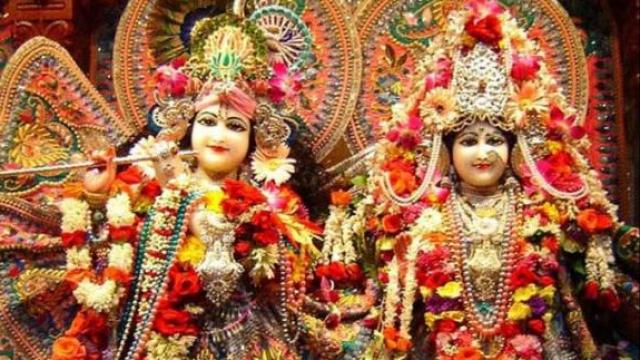 janamasthami 2019: Radha-Krishna's bungalow adorned with 2000 kg flowers