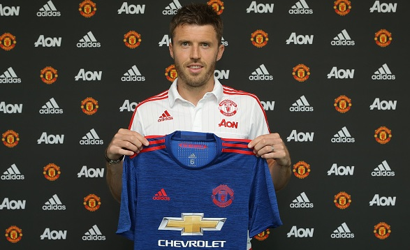 Michael Carrick Pens New Manchester United Deal