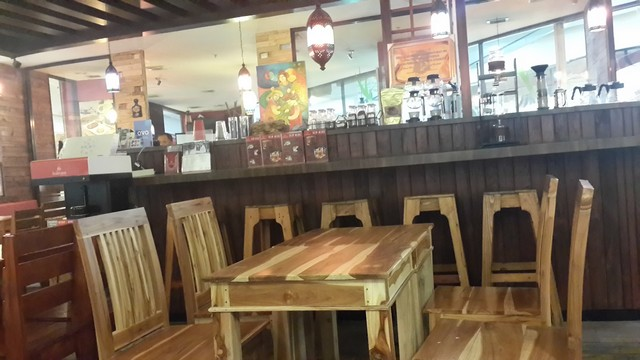 Tempat Nongkrong di Surabaya, Hanya di balé sere Resto & Café