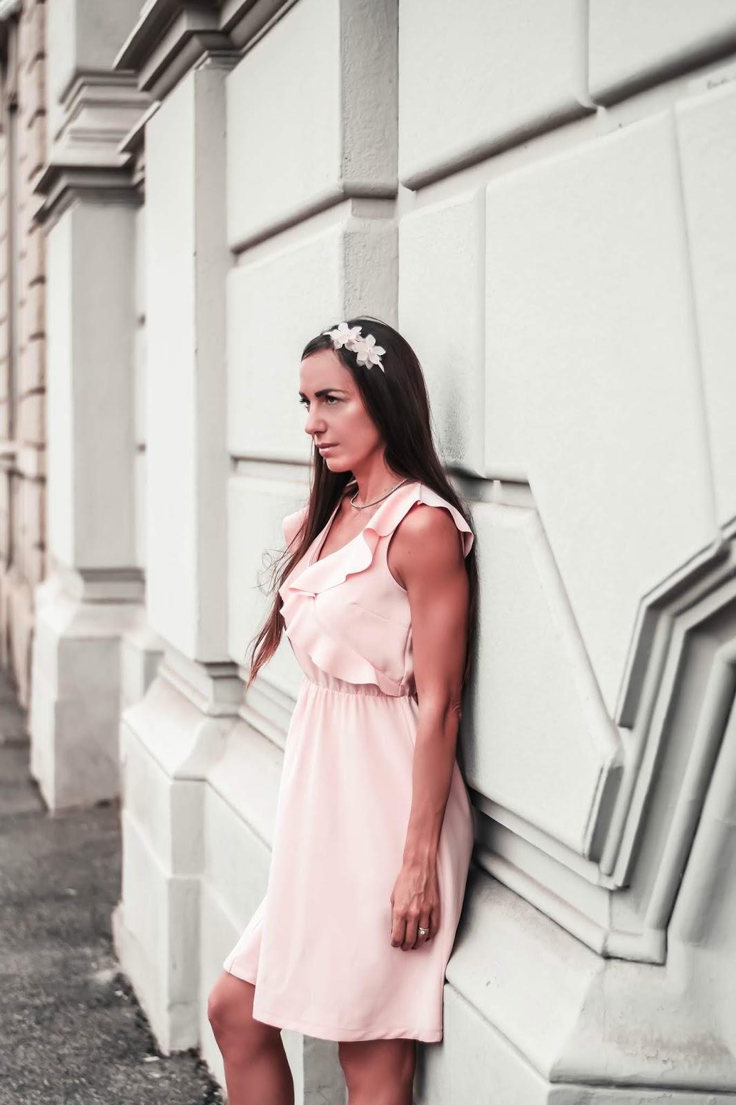 abito rosa romantico