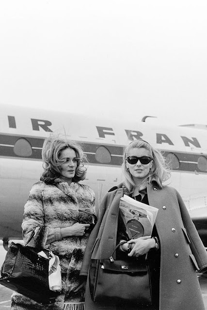Françoise Dorléac and Catherine Deneuve flying Air France