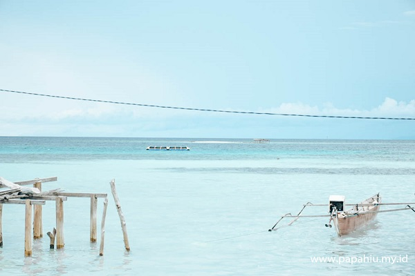 Pantai  Indah di Ampana