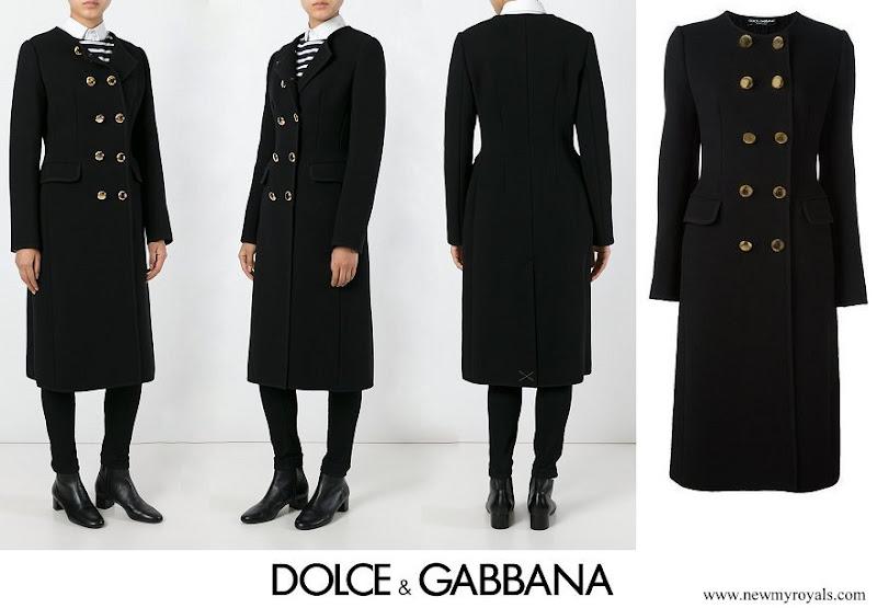 Kate Middleton wore DOLCE & GABBANA collarless long coat