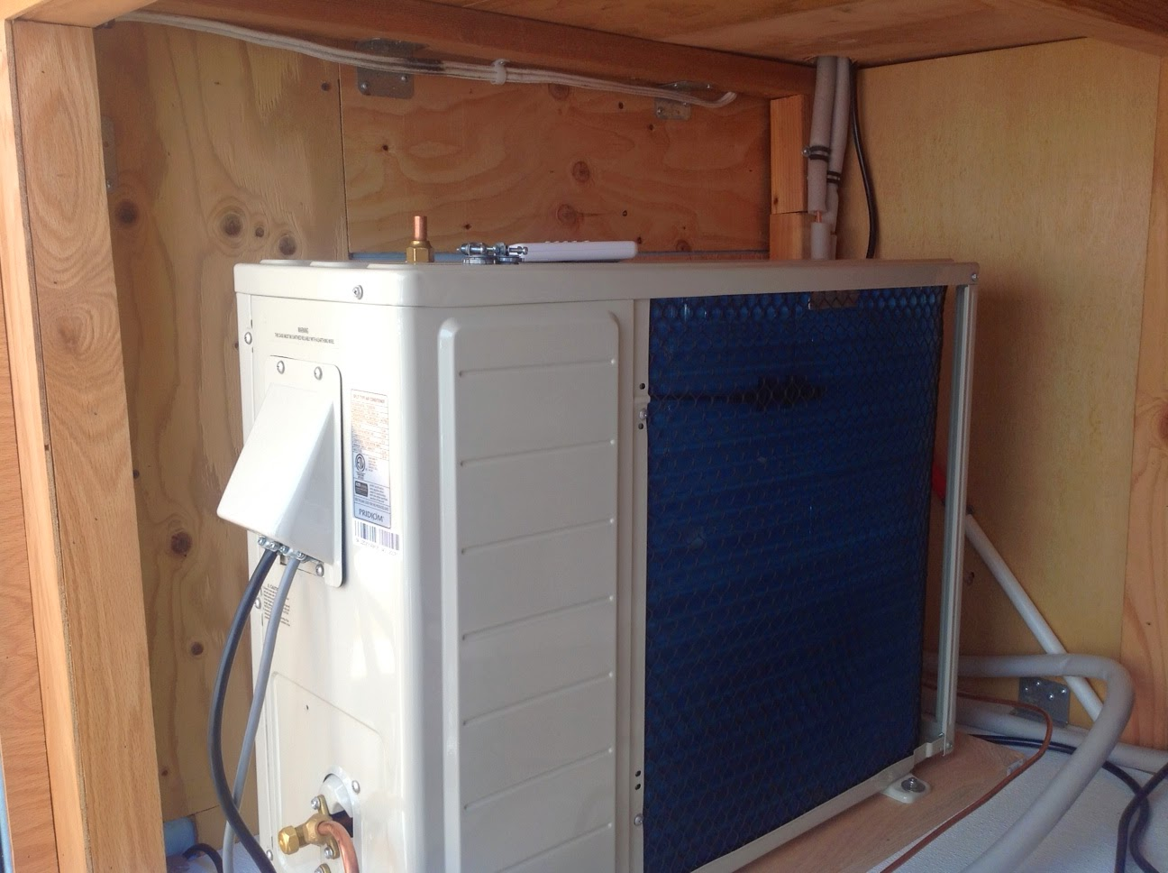 2013 Carmate 100 Solar Heated And Cooled Over The Top Cargo Trailer 100 Rv Solar