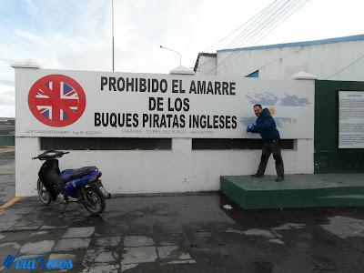 Prohibido el amarre de los buques piratas ingleses