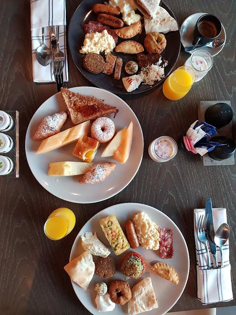 Colazione al Café 302-Al Maha Arjaan by Rotana-Abu Dhabi