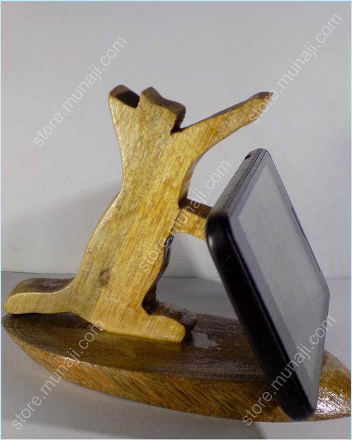 Kerajinan Murah gambar produk 3 - Dudukan HP Dari Kayu - Bentuk Anak Kucing Main Lucu Imut (Wooden Phone Stands)