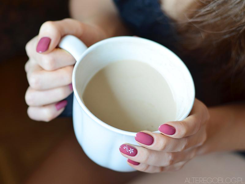 W tym tygodniu na paznokciach | Lakier Semilac 005 Berry Nude
