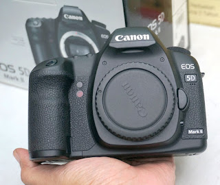 Canon EOS 5D Mark II Body Only Bekas