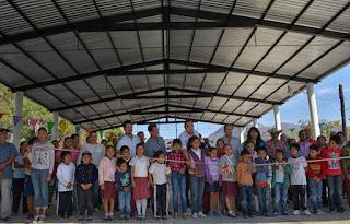 Inauguran construcción de techado en Primaria de Tlaxmalac