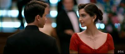 Romantic Sceene Of Shahid Kapoor & Sonam Kapoor In Movie Mausam (2011)