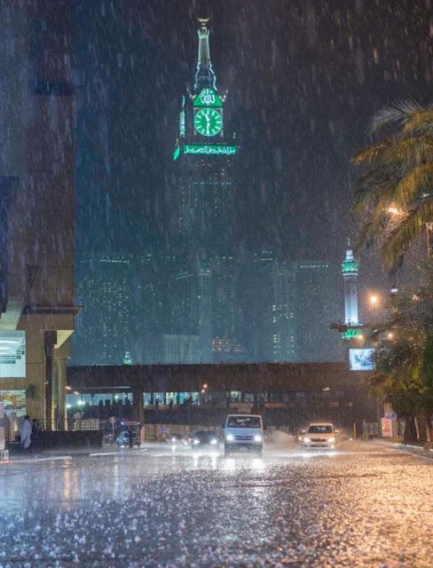 Hujan es di Mekkah