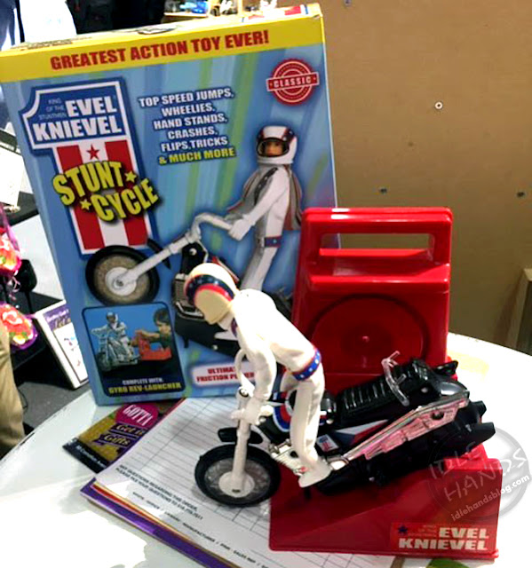 Toy Fair 2019 Evel Knievel Stunt Cycle 01
