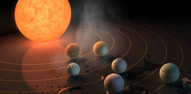 Three planets orbiting TRAPPIST-1 fall within that star's habitable zone. (Image courtesy of R. Hurt/ NASA/JPL-Caltech/)