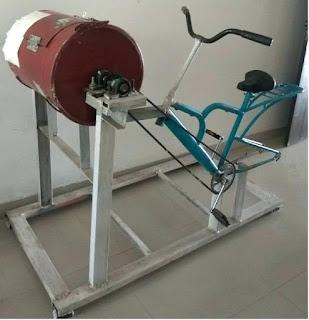 Pedal powered washing machine, pedal operated washing machine