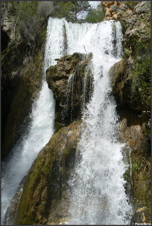 Cascada Batida Del Molino Viejo (Río Blanco o Río De La Fuente Del Berro, Calomarde)