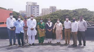 प्रभाग समिति अध्यक्षा प्रज्ञा भूतकर ने किया स्कूल इमारत दुरुस्ती का निरीक्षण   #NayaSaberaNetwork