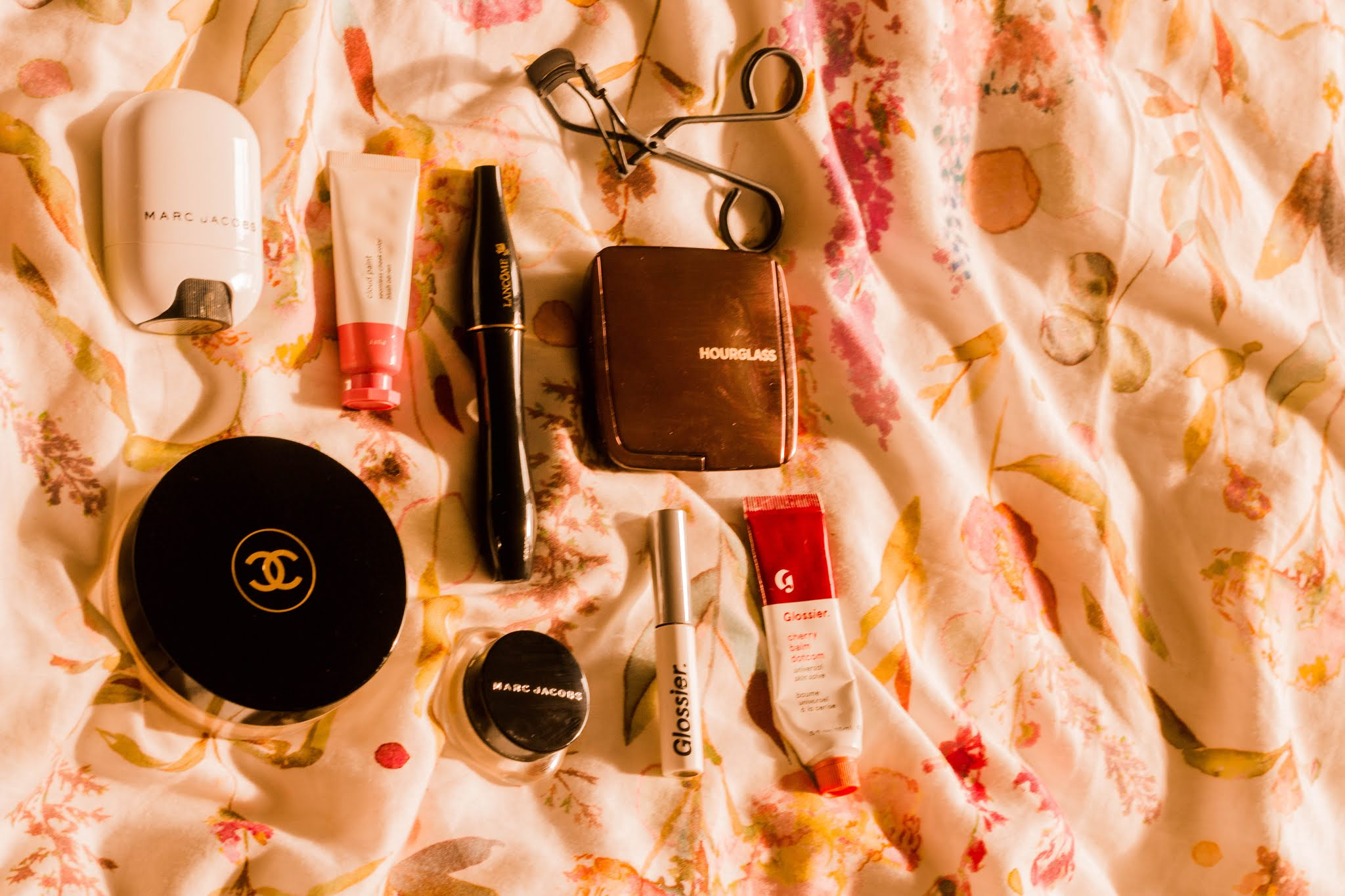 Makeup & Beauty Flat Lay: Chanel, Marc Jacobs, Glossier & More for a simple make up routine