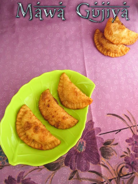 sweet-stuffed-poori