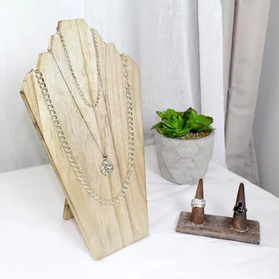 Wooden Jewelry Display Bust with Easel for 3 Necklaces in Oak and a wooden ring organizer