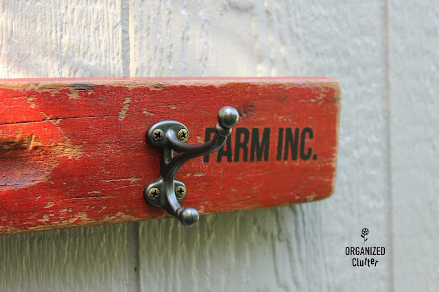Repurposed Vintage Wooden Level with Hooks & Image Transfers #vintagelevel #vintagetools #polycrylic #BestDangWax #EverydayFarmhouse #imagetransfer #primamarketing #redesign #farmhouse #repurposing #repurpose