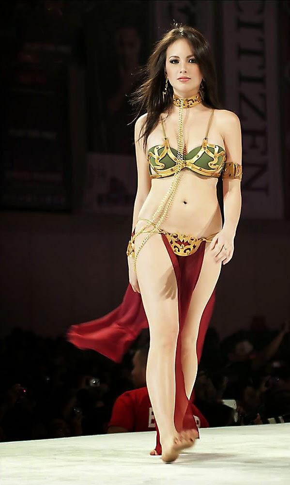 Princess leia slave cosplay