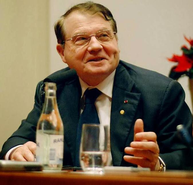 Luc Montaigner (1932 - ) Premio Nobel de Medicina de 2008