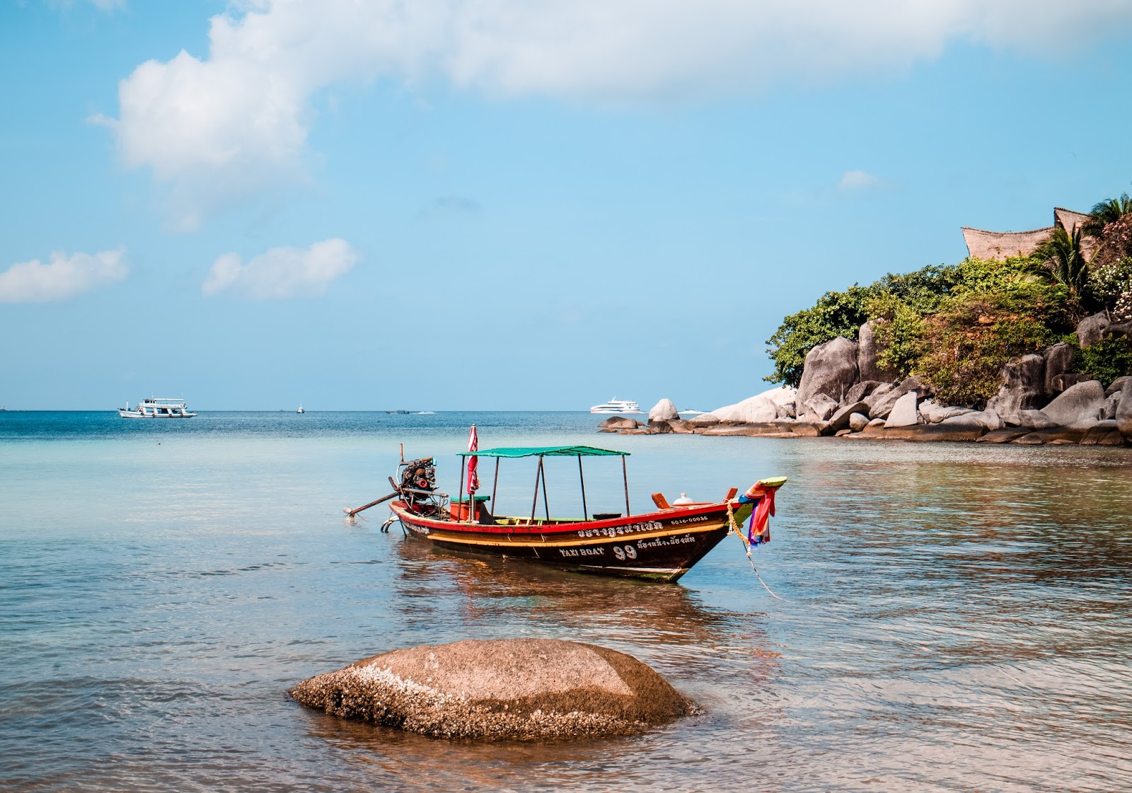 taxi boat at Sairee Beach in Koh Tao