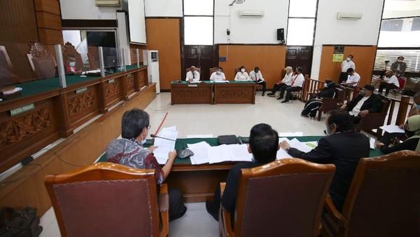 Beda Jumlah Undangan Pernikahan Anak HRS Terungkap di Praperadilan