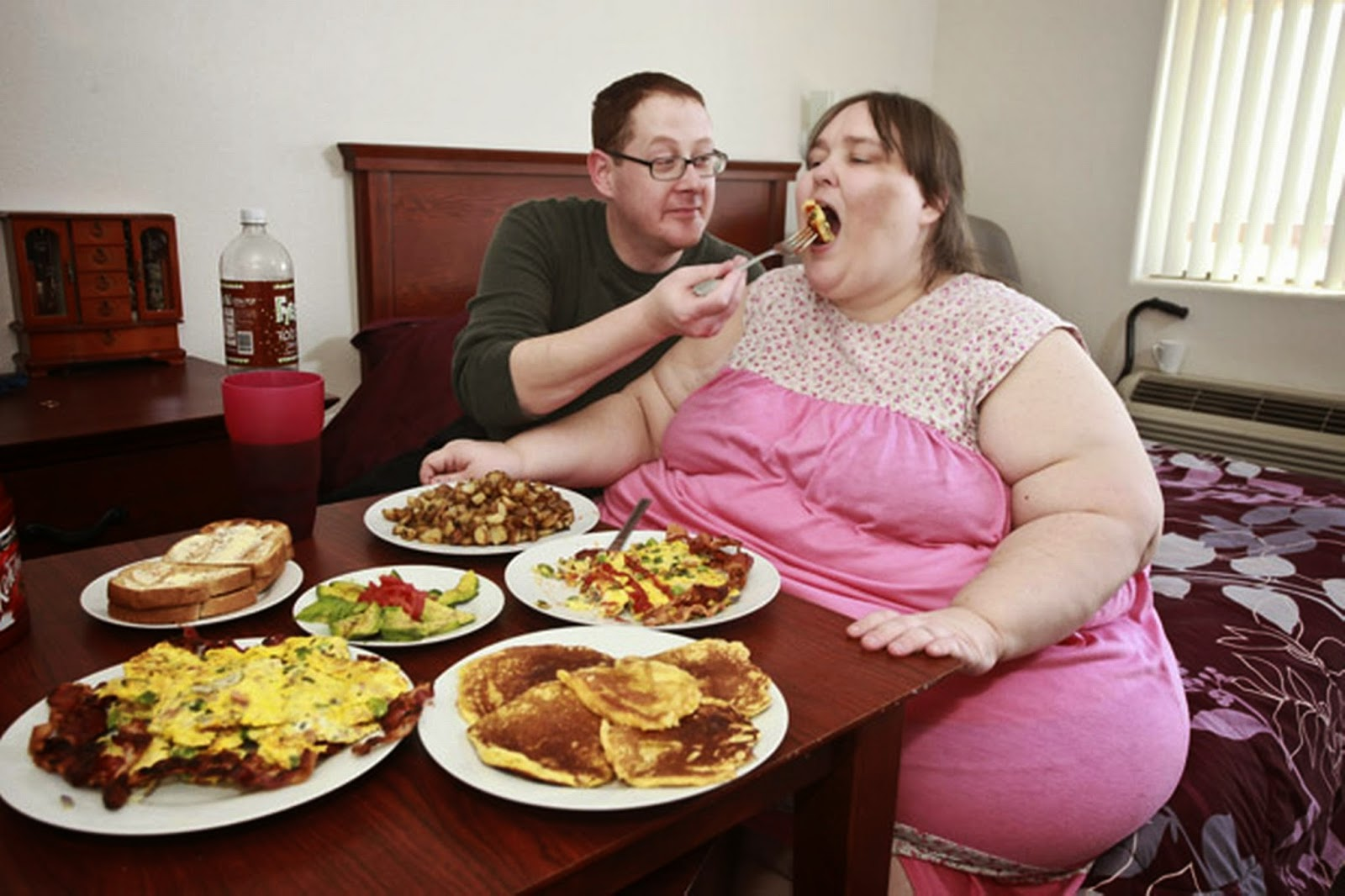 видео про жирных людей что она
