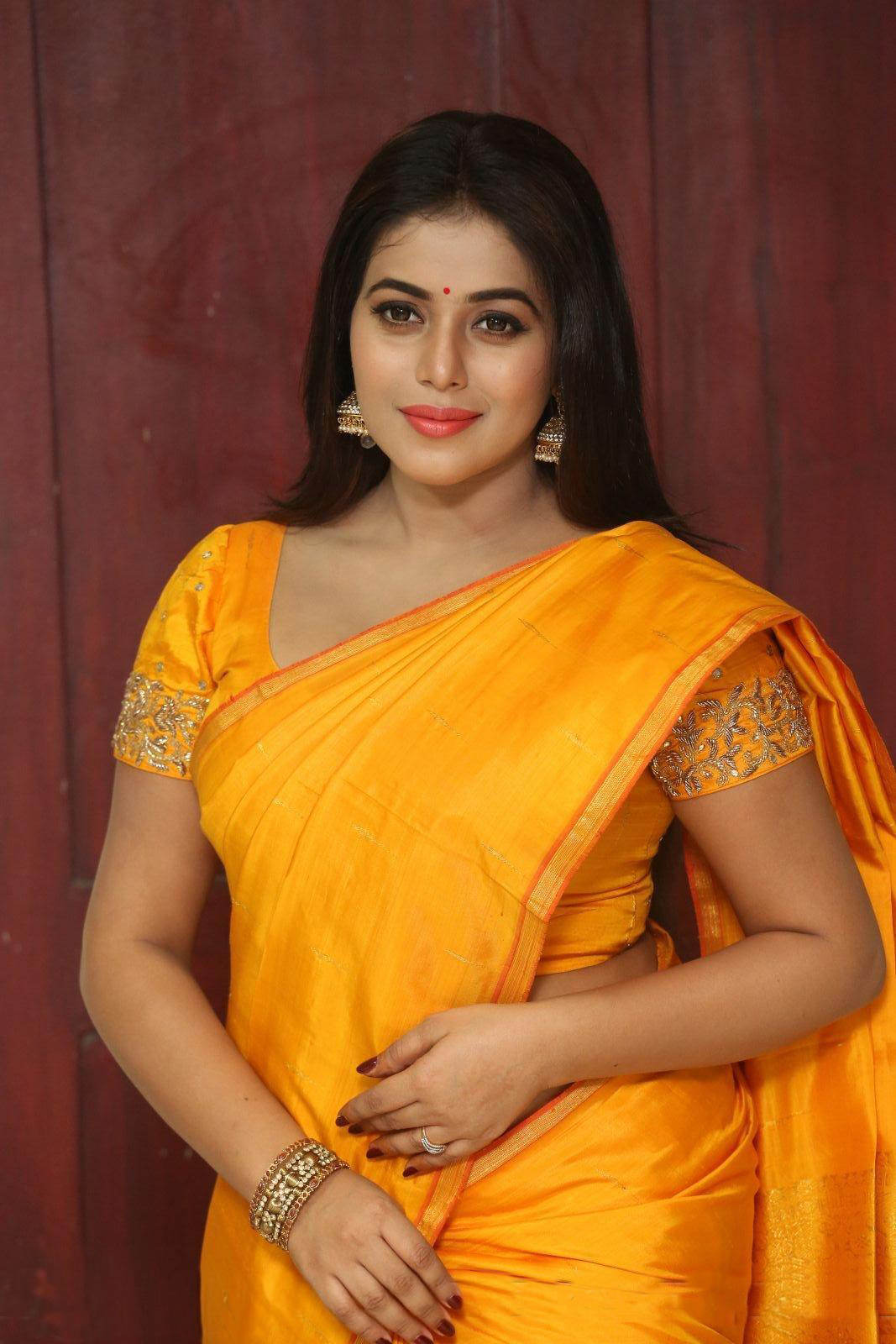 Shamna Kasim At Avanthika Movie Opening - South Indian Actress-7488
