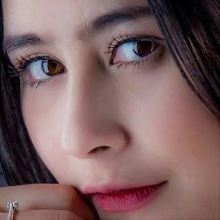 Gambar Prilly Latuconsina Terbaru