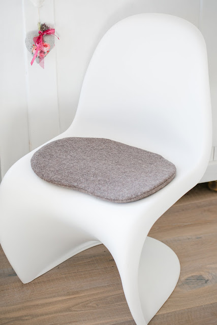 Seat cushion for Panton Chair, Pomponetti, Sitzkissen