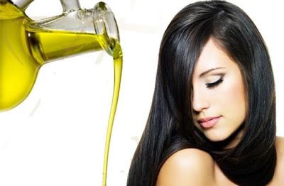تعرفي على أكثر الزيوت المفيدة في تطويل الشعر