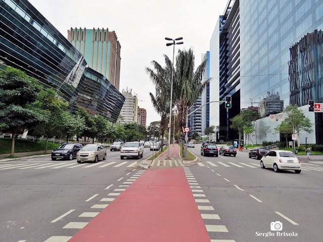 Vista de trecho da Avenida Brigadeiro Faria Lima - Jardim Paulistano - São Paulo