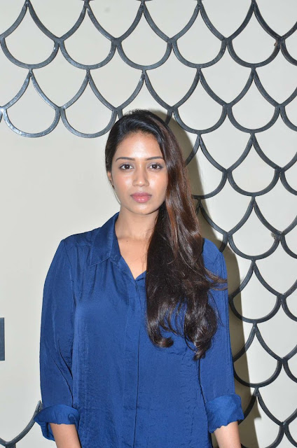 Nivetha Pethuraj at podhuvaga en manasu thangam Interview Stills