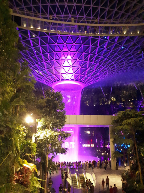 Tempat-tempat Terkenal Yang Aku Kunjungi Di Singapore