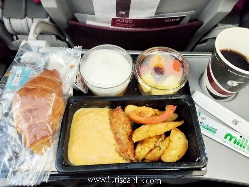 makanan enak qatar airways