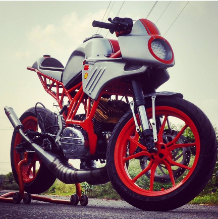 Inline3 Customs Motorcycles - Prices and Bikes details - MOTOAUTO