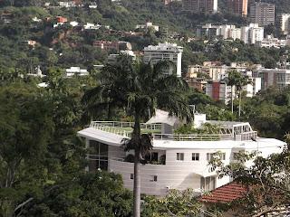 http://milagrosfernandezasesoriadeinversion.blogspot.com/2014/03/vendo-casa-en-caracas.html