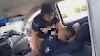 Policiais fazem sexo dentro de viatura e vídeo viraliza nas redes sociais