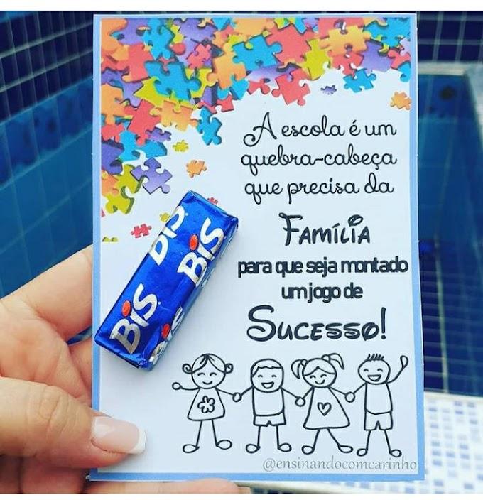 Cartão quebra-cabeça para reunião de pais