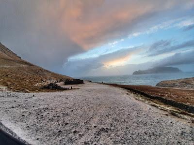 Salju di Mulafossur Faroe Islands