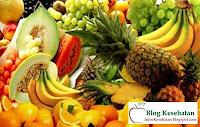 secara umum sangat mempunyai kegunaan bagi kesehatan kita alasannya yaitu buah buahan yaitu sumber vitamin y MANFAAT BUAH
