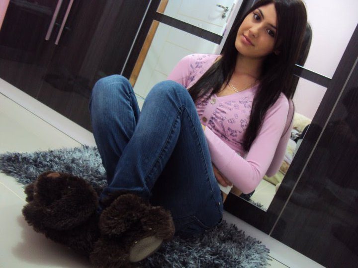 100-Collection-of-Beautiful-Pakistani-Girls-Profile-Photos-HD-On-Facebook-Whatsapp