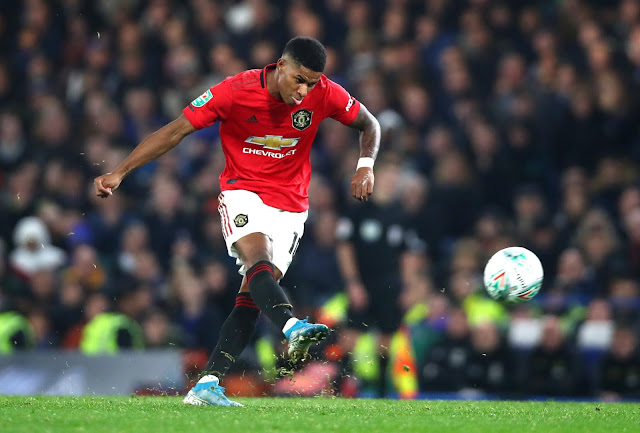 Marcus Rashford scores amazing freekick for Man United in 2-1 win over Chelsea