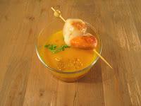 Crema de zanahorias con naranja y brocheta de vieiras