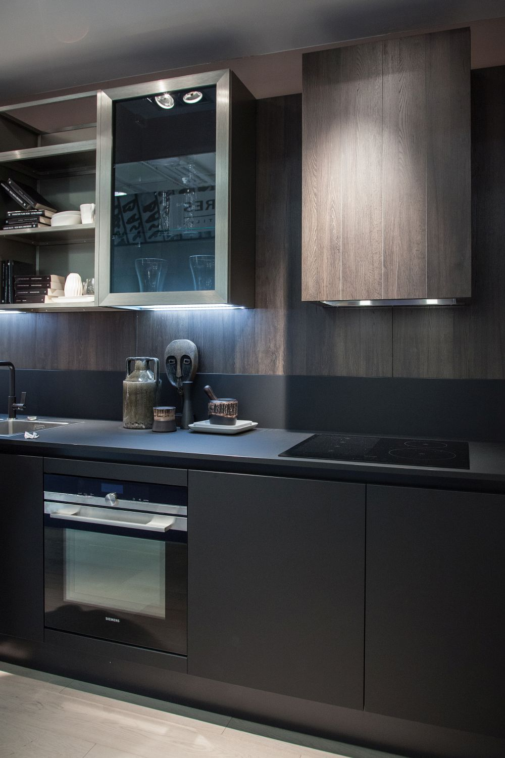 Modern Kitchen featurting two tone kitchen cabinets black and brown