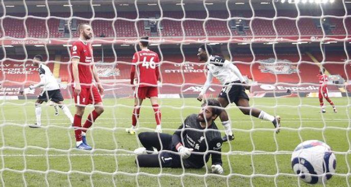 Liverpool vs Fulham 0-1 Highlights