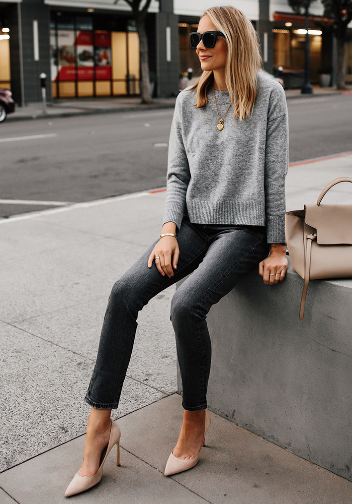 monochromatic fall outfit grey jean grey sweater